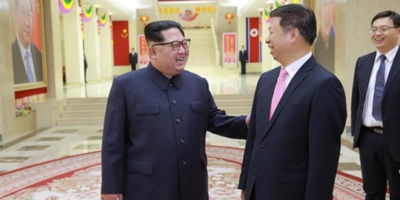 Kim-Jong-un-se-reúne-con-Song-Tao-Director-de-Relaciones-Internacionales-del-Partido-Comunista-de-China.-EFE-KCNA-660x330.jpg